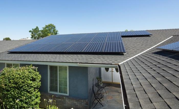 I pannelli solari usano la luce o il calore per generare elettricità?
